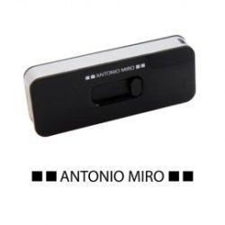 MEMORIA USB 4GB* -ANTONIO MIRO-*