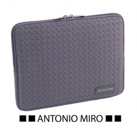 FUNDA IPAD -ANTONIO MIRO-