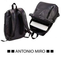MOCHILA -ANTONIO MIRO-